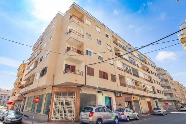 Apartment - Resale - Torrevieja - Torrevieja, Alicante, Spain